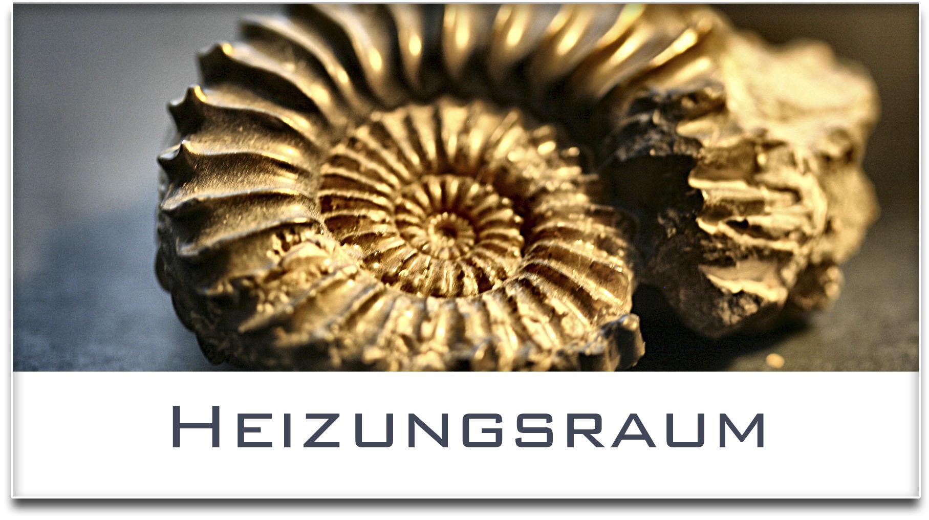 Türschild / Haustürschild / Versteinerte Muschel / Heizungsraum / Selbstklebend